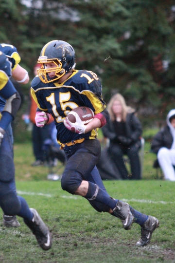 Charlie Keenan - 2012 Bell Warriors Bantam Coaches' Choice Award Winner and Winner of the NCAFA Bantam Bursary.