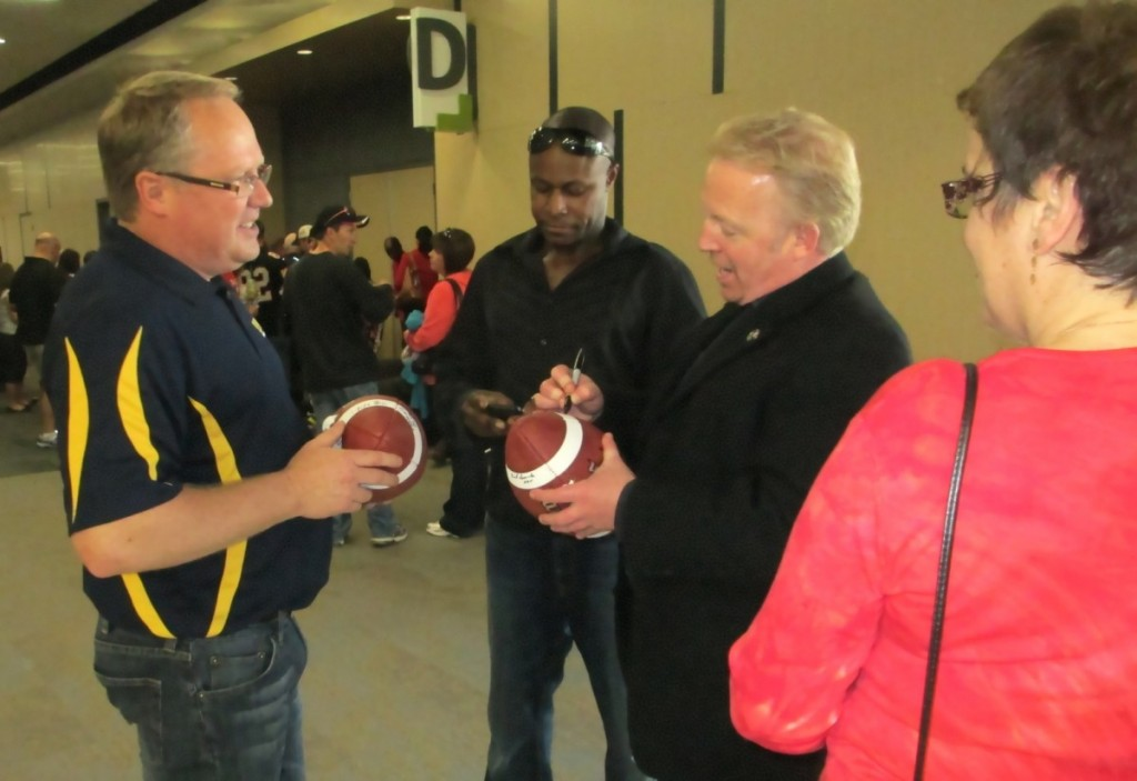 Paul Stewart (Bell Warriors President) with Ottawa REDBLACKS co-owner Jeff Hunt.