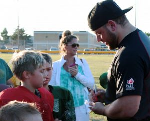 REDDBLACKS DL Zack Evans making a real difference with our young Warriors players!